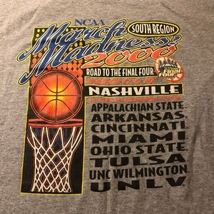 NCAA Shirts - Vintage Y2K NCAA March Madness Final Four Shirt XL